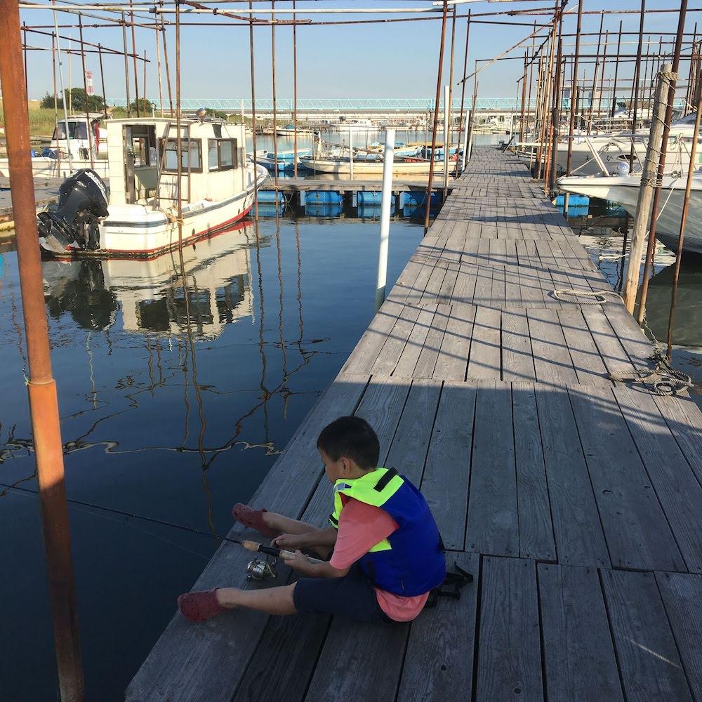 江戸川放水路のボート屋でハゼの桟橋釣りをする方法
